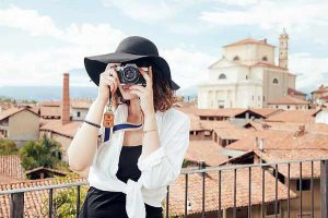 girl-photographer-travel
